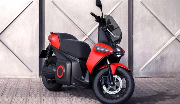 Elegante, silenciosa y veloz: así es la e-Scooter, la primera moto eléctrica de SEAT