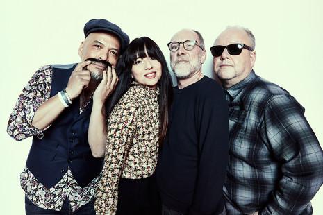 Belleza, violencia y ruido: 5 razones para amar a los Pixies