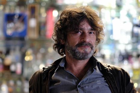 """Quique González: """"Hoy, la industria musical anula cualquier intento de rebeldía"""""""