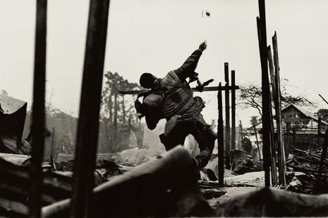 Don McCullin: medio siglo de desastres, hambrunas y guerras en la Tate Britain de Londres