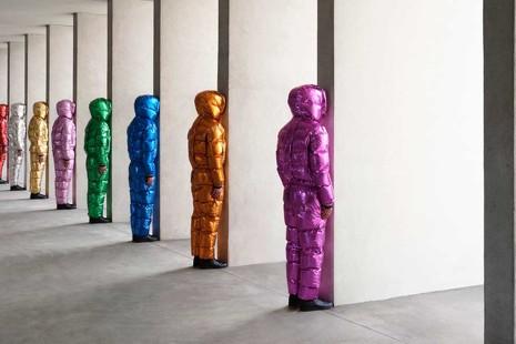 Moda vandálica: el placer de destrozar una obra de Jeff Koons