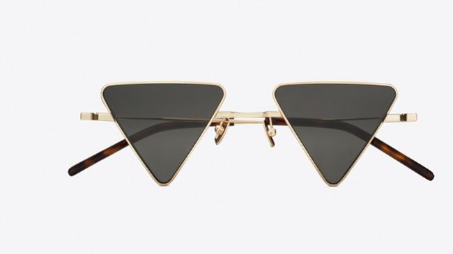 7eb77f2a61 Los diseños clásicos parecen haber perdido algo de fuelle en lo que a gafas  de sol se refiere. Ahora lo que está de moda es la geometría insólita, ...