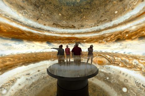 Spielberg y Norman Foster proponen en Filadelfia un paseo virtual por el espacio exterior