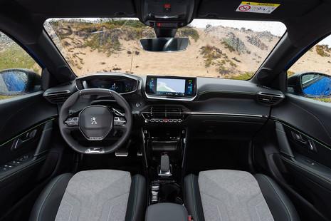 Así han evolucionado los coches por dentro: bienvenidos al 'cockpit' del futuro
