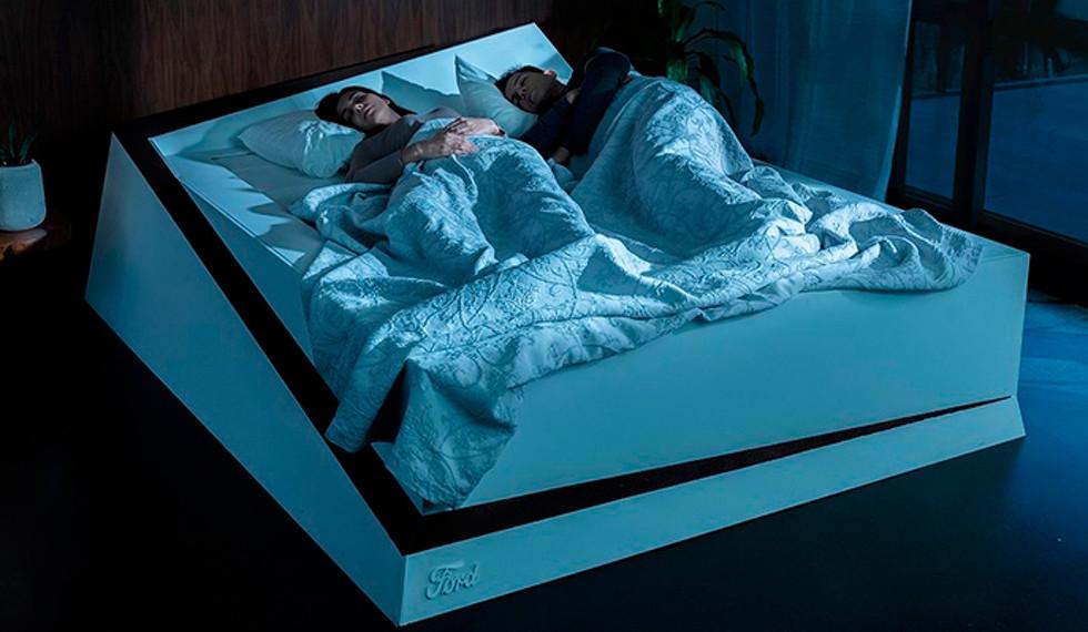LaCama con Mantenimiento de Carriles mantiene a tu pareja en su lado de la cama | Ford