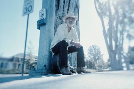 Así suena el álbum póstumo de J.J. Cale